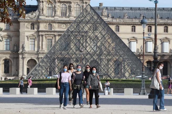 El Museo del Louvre ha realizado una compra directa  a través de la casa de subastas Christie's y por lo tanto sin obligación de comunicar el precio.