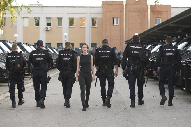 Vicky Luengo se luce en el papel de oficial de Asuntos Internos que investiga a seis agentes antidisturbios