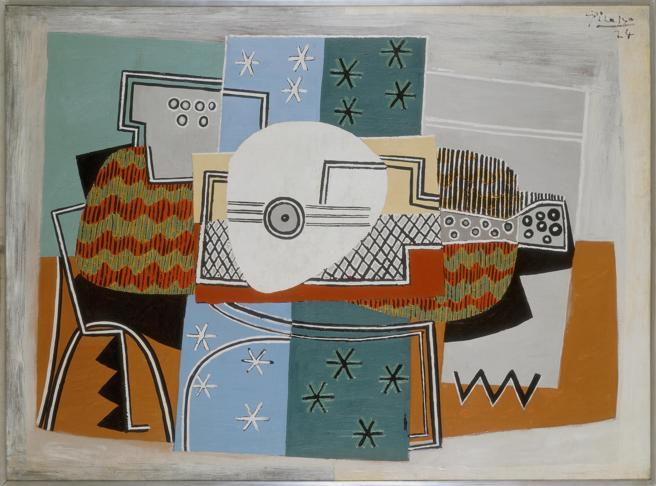 Nature morte à la mandoline (1924) de Pablo Picasso. La muestra ocupa diez salas del Musée de la Musique, gemelo del Conservatorio creado por la Revolución Francesa