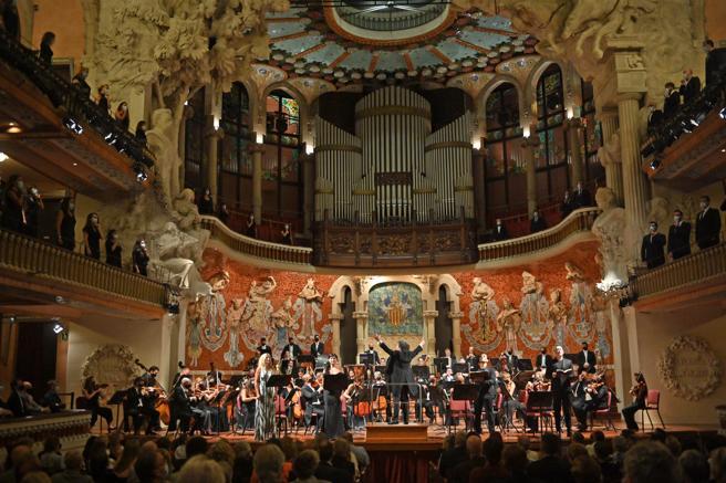 La soprano Susanne Elmark, la mezzo Aigul Akhmetshina, el tenor Leonardo Capalbo y el bajo José Antonio López  fueron los solistas vocales de esta Novena Sinfonía que dirigió el maestro venezolano Gustavo Dudamel