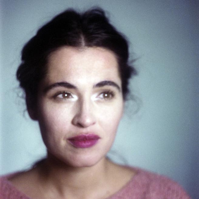 Otra imagen de la serie fotográfica realizada junto a  la aparición de 'Farsa (género imposible)'