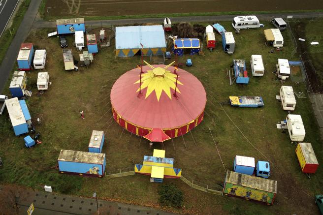 El pequeño circo Delmonde ha quedado varado en las afueras de Frankfurt en el segundo cierre cultural por la pandemia